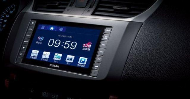 2015 Nissan Sentra 1.8 豪華影音版  第8張相片