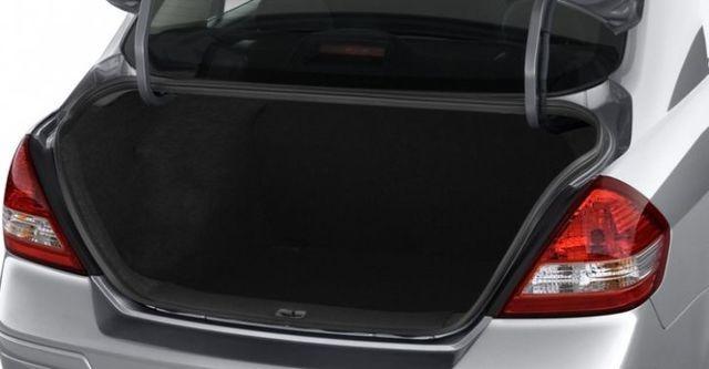2015 Nissan Tiida 4D 傳奇版  第10張相片
