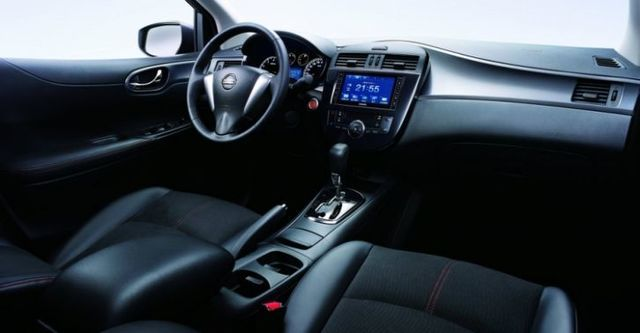 2015 Nissan Tiida 5D Turbo豪華版  第8張相片