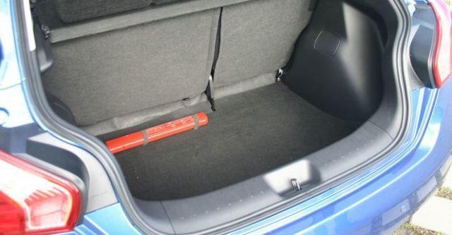 2014 Nissan Tiida 5D 豪華影音版  第8張相片