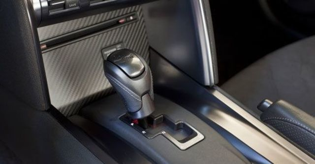 2013 Nissan GT-R Black Premium  第10張相片