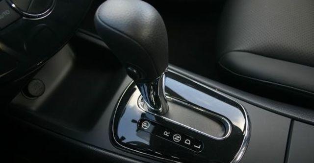 2013 Nissan Tiida 5D 1.6 SL規旗艦版  第7張相片