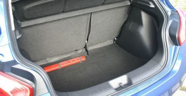 2013 Nissan Tiida 5D 1.6 S規  第8張相片