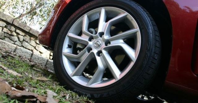 2013 Nissan Tiida 5D 1.6 Turbo SL規  第4張相片