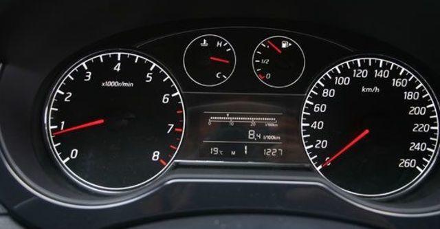 2013 Nissan Tiida 5D 1.6 Turbo SL規  第9張相片