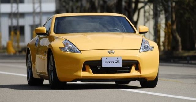 2012 Nissan 370Z Coupe 3.7  第9張相片