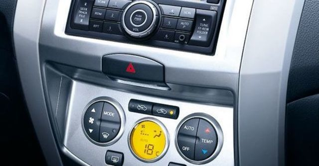 2012 Nissan Livina 1.6 B  第6張相片