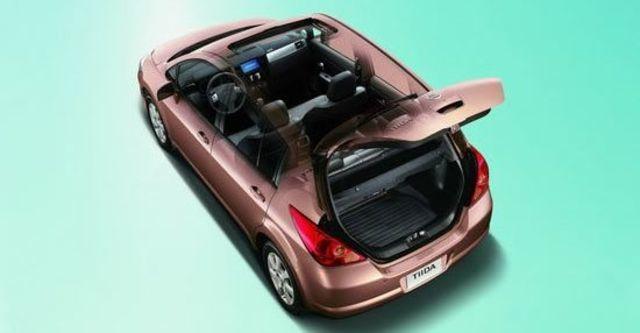 2012 Nissan Tiida 5D 1.8 L  第7張相片