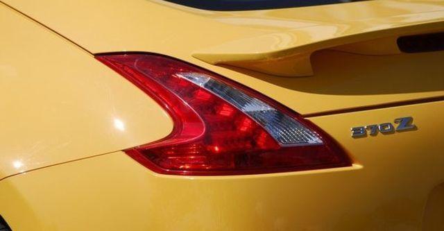2011 Nissan 370Z Coupe 3.7  第11張相片