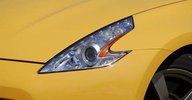 2011 Nissan 370Z Coupe 3.7  第12張相片