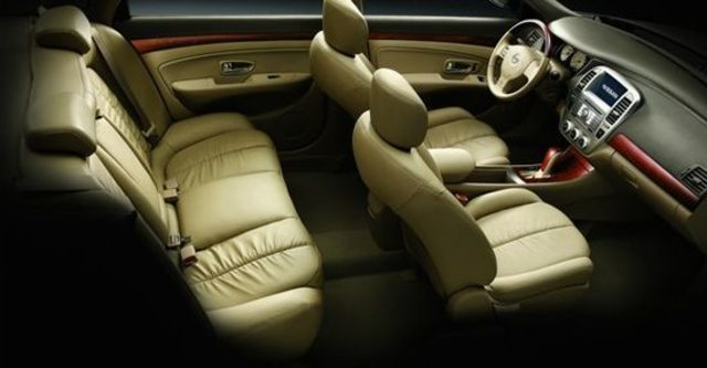 2011 Nissan Bluebird 2.0 H  第6張相片