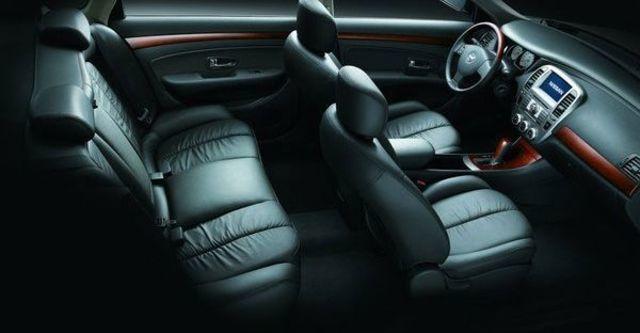 2011 Nissan Bluebird 2.0 P  第8張相片