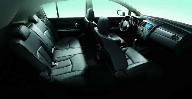2011 Nissan Tiida 5D 1.8 B  第9張相片