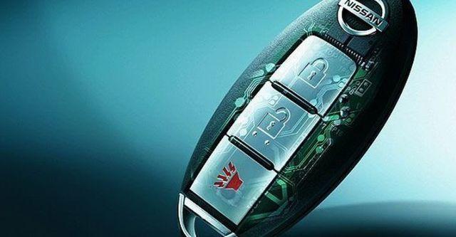 2011 Nissan Tiida 5D 1.8 L  第10張相片