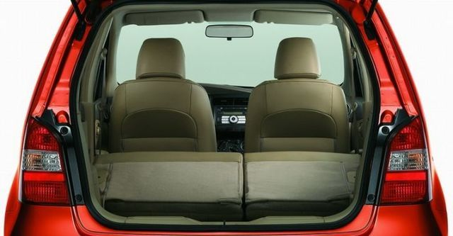 2010 Nissan Livina 1.6 H  第8張相片