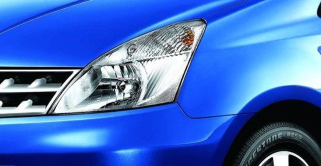 2010 Nissan Livina 1.8 B  第4張相片