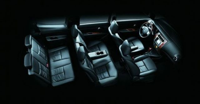 2010 Nissan Livina 1.8 B  第10張相片