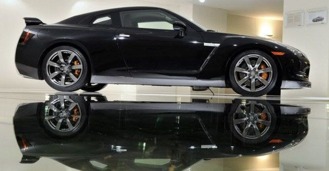 2009 Nissan GT-R Coupe  第13張相片
