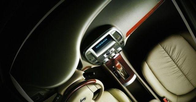 2009 Nissan New Bluebird 2.0 P  第8張相片