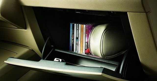 2008 Nissan Tiida 四門1.6B  第8張相片