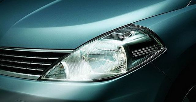 2008 Nissan Tiida 四門1.6L  第11張相片