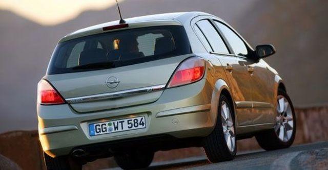 2011 Opel Astra 1.8 Club  第7張相片