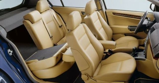 2011 Opel Astra 1.8 Club  第9張相片