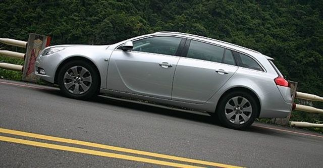 2011 Opel Insignia Sports Tourer 2.0 CDTI  第1張相片
