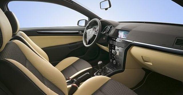 2010 Opel Astra GTC 1.8 Panorama  第5張相片
