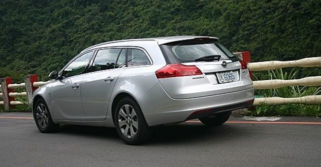 2010 Opel Insignia Sports Tourer 2.0 CDTI  第3張相片