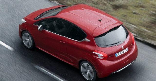 2015 Peugeot 208 GTi  第3張相片