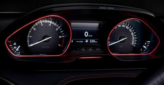 2015 Peugeot 208 GTi  第8張相片
