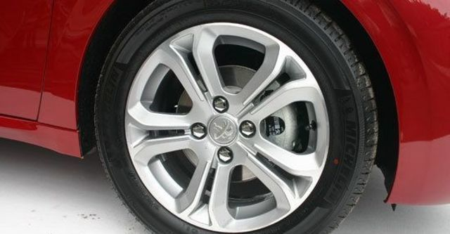 2013 Peugeot 208 1.6 VTi MT  第6張相片