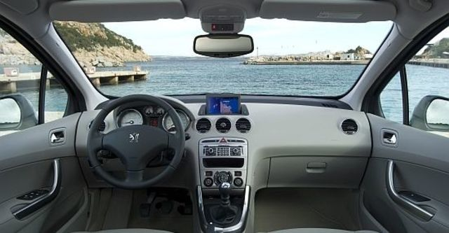 2013 Peugeot 308 SW 2.0 HDi Active  第6張相片