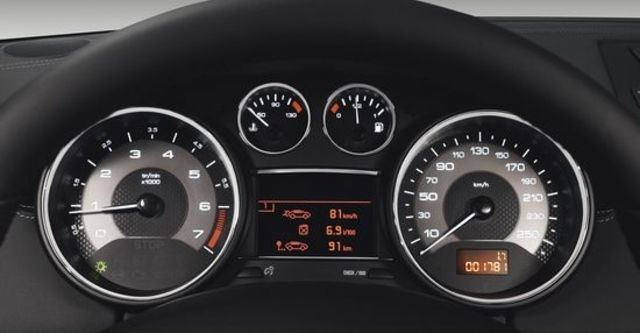 2013 Peugeot RCZ THP 200  第6張相片