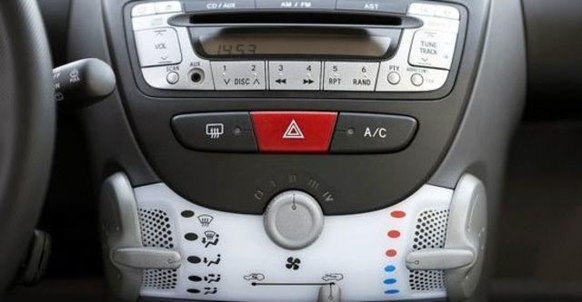 2012 Peugeot 107 羅浮經典版  第9張相片