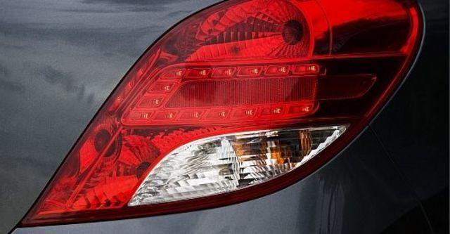 2012 Peugeot 207 1.6全景天窗版  第6張相片
