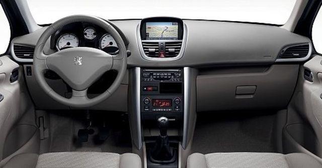 2012 Peugeot 207 1.6全景天窗版  第7張相片