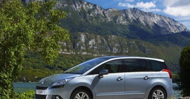 2012 Peugeot 5008 2.0 HDi Premium  第9張相片