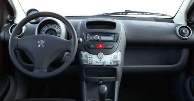 2011 Peugeot 107 羅浮經典版  第5張相片