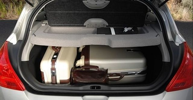 2010 Peugeot 308 2.0 HDi  第8張相片