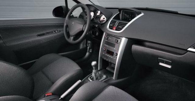 2009 Peugeot 207 1.6 5D全景天窗版  第7張相片
