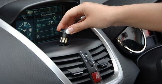 2009 Peugeot 207 1.6 5D全景天窗版  第8張相片