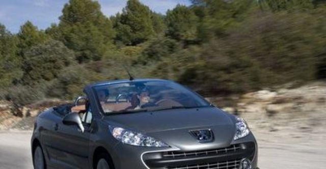 2008 Peugeot 207 CC 1.6  第12張相片