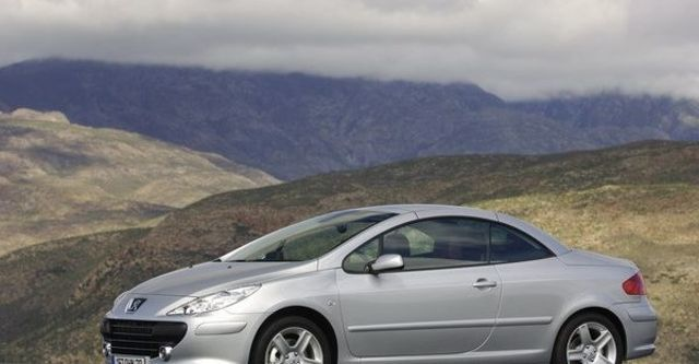 2008 Peugeot 307 CC 2  第4張相片