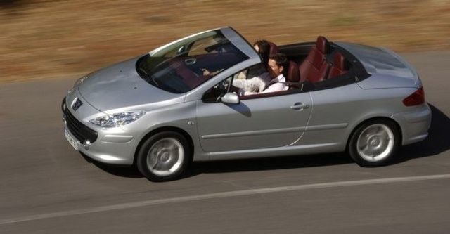 2008 Peugeot 307 CC 2  第8張相片