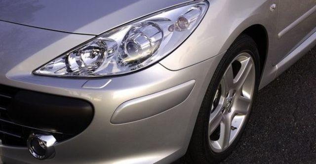 2008 Peugeot 307 CC 2  第10張相片