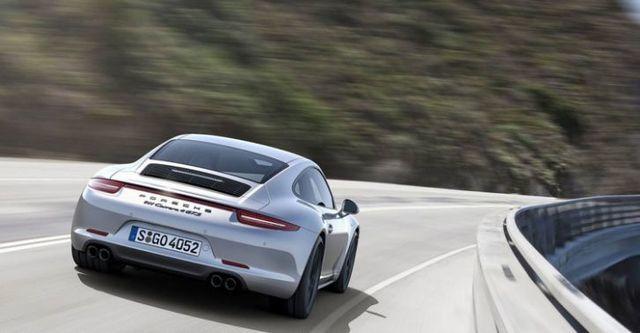 2015 Porsche 911 Carrera 4 GTS Coupe  第4張相片