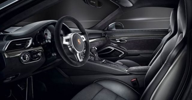 2015 Porsche 911 Carrera 4 GTS Coupe  第10張相片