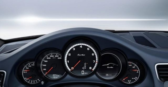 2015 Porsche 911 Turbo Coupe  第8張相片